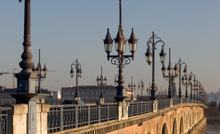 pont de pierre de bordeaux